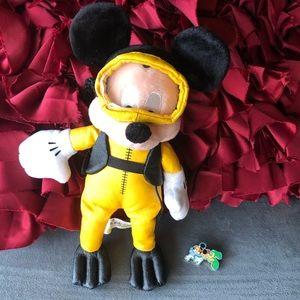 Scuba Mickey Disney Pin 2004 with Plush